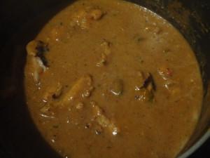 Added Chicken pieces to the gravy