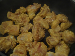 Marinated chicken was placed on a pan for roasting